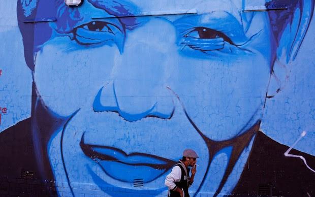 G1 Sul Africanos Homenageiam Mandela Um Ano Apos Sua Morte
