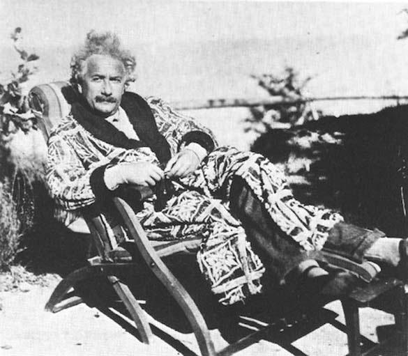 Φωτογραφίες του Albert Einstein όπως δεν τον έχουμε συνηθίσει (12)