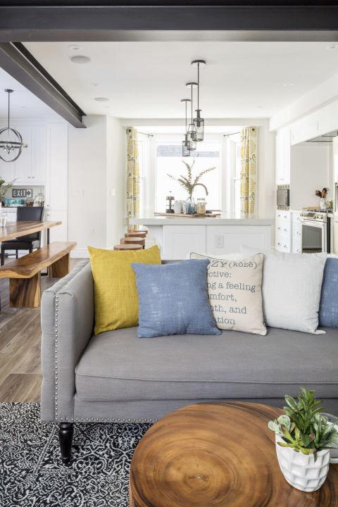 Best 25  Den furniture ideas on Pinterest   Diy guest room ...