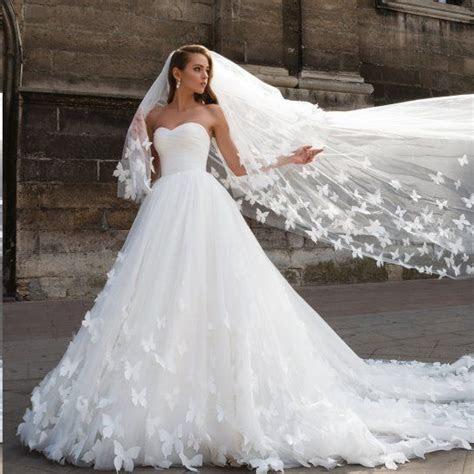 Beautiful Wedding Dresses with Long Train Sweetheart