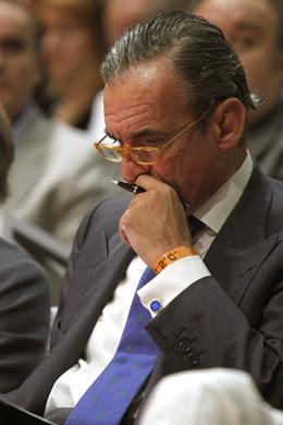 """Asamblea en torno a Mario Conde: """"Es como el 15-M pero con más estilo"""""""