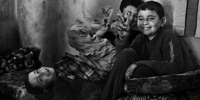 I 500 mila morti bambini iracheni morti sulla coscienza non vi bastano? Stop con l'embargo alla Siria!