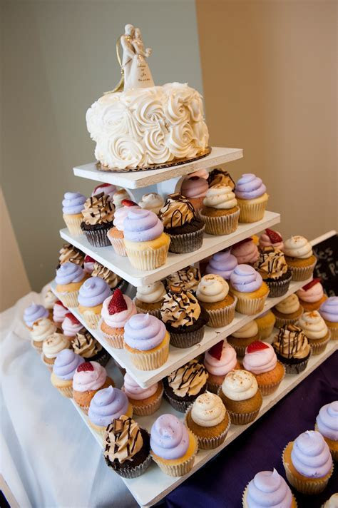 Single tier wedding cake ? your photos.