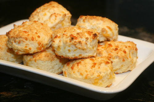 cheddar sour cream biscuits