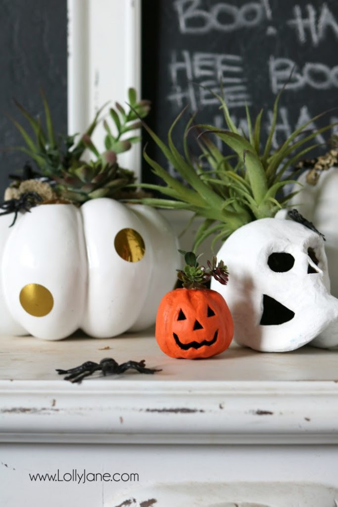 halloween-display-planters-700x1050-683x1024