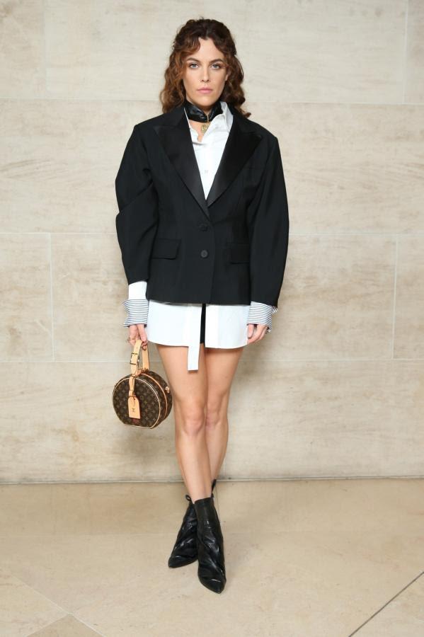 LV Petite Boite Chapeau - chiếc túi có gì đặc biệt mà khiến các tín đồ thời trang thi nhau đụng hàng - Ảnh 22.