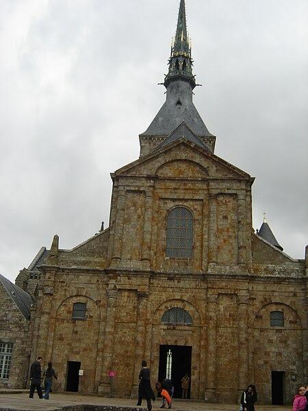 File:Façade de l'abbatiale du Mont Saint-Michel1.jpg