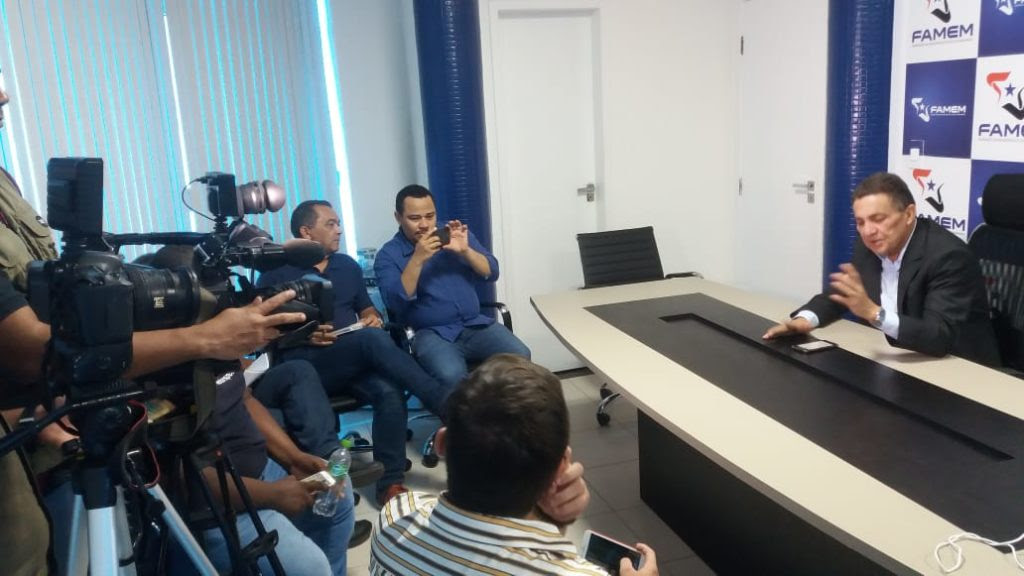 Cleomar Tema diz em entrevista coletiva que vencerá eleição na Famem com 105 votos