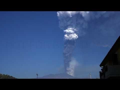 Athént is elérte az Etna hamufelhője
