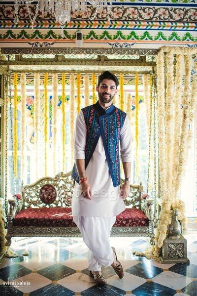 Latest Men Mehndi Dresses Kurta Shalwar Kameez Designs