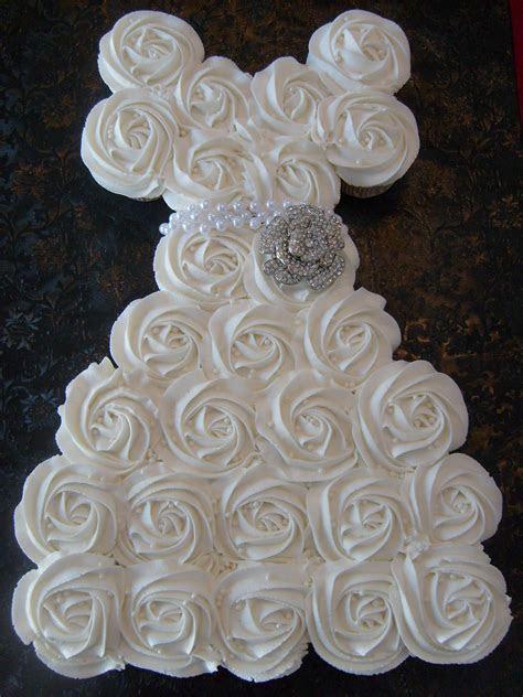 Bridal Shower Cupcake Pull Apart Cake   Dream Wedding