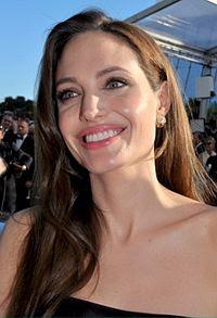Angelina Jolie Cannes 2011.jpg