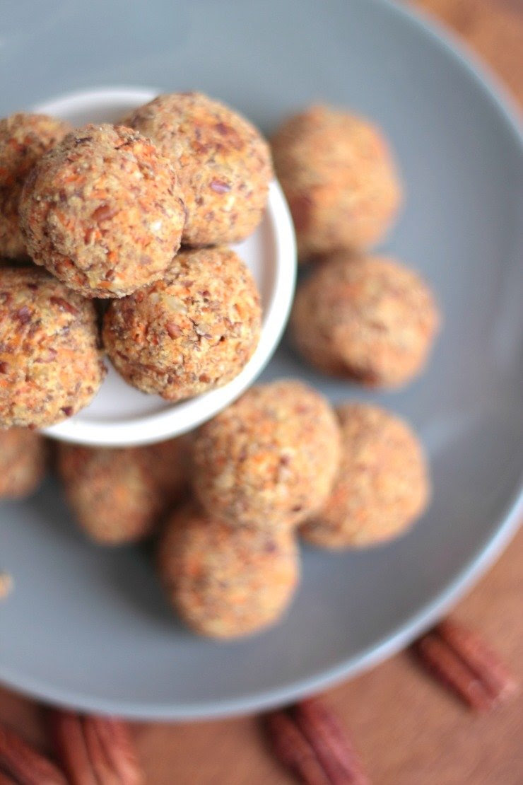 Healthy Carrot Cake Energy Balls