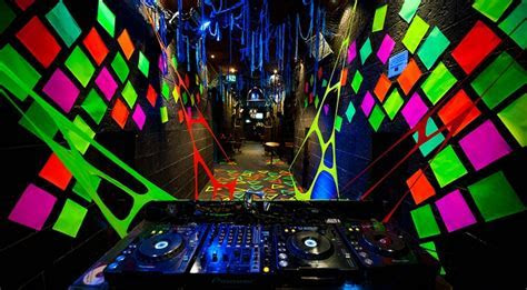 1000  images about UV / Blacklight Rave Party on Pinterest