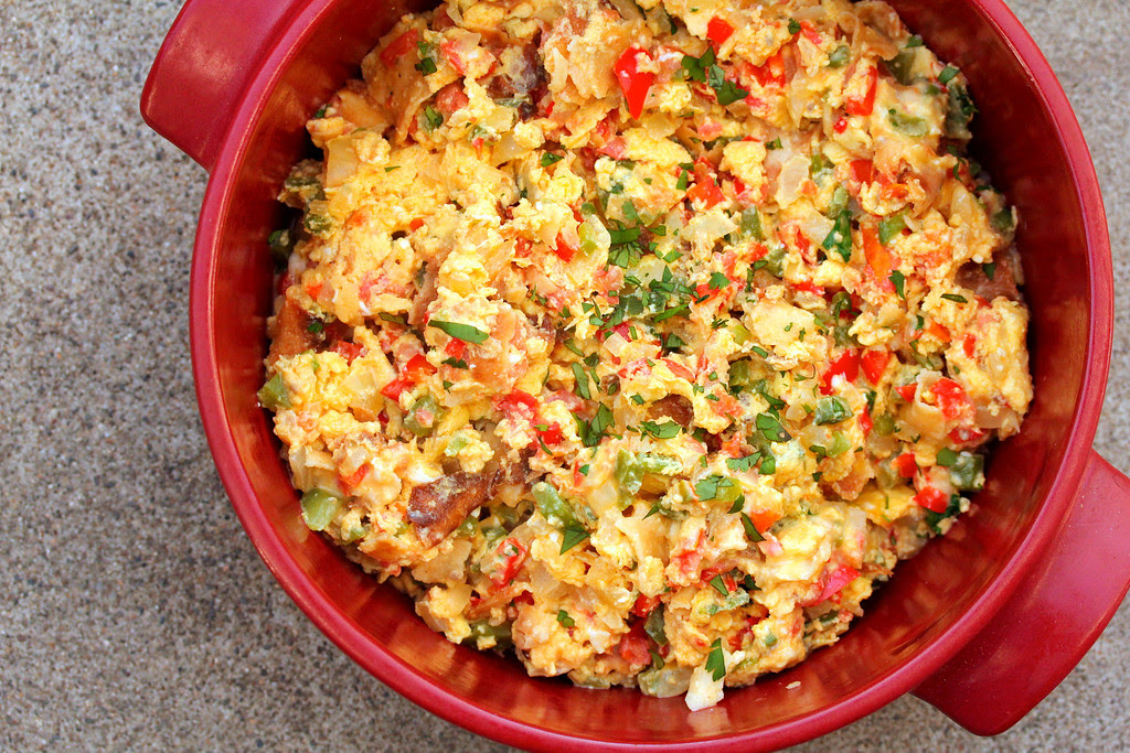 Migas - Tex-Mex Scrambled Eggs www.karenskitchenstories.com