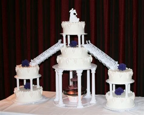 Rainbow Sugarcraft: Wedding Cakes with Water Fountains