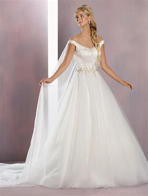 25  best ideas about Frozen Wedding Dress on Pinterest