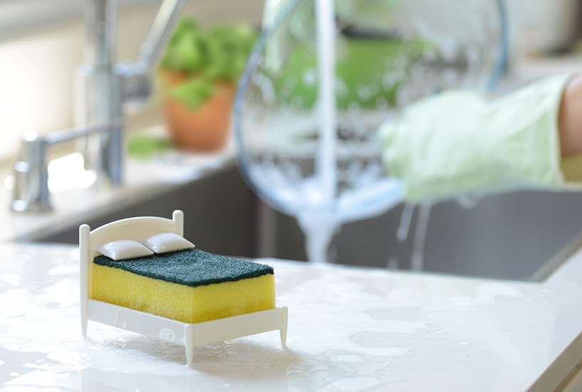 the clean dreams ototo sponge holder takes the form of a miniature bed