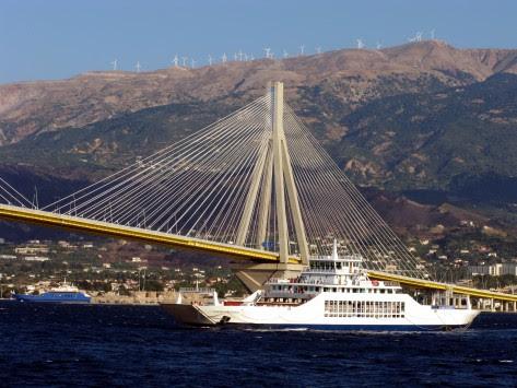 Δυτική Ελλάδα: Απόπειρα αυτοκτονίας στη γέφυρα Ρίου - Αντιρρίου!
