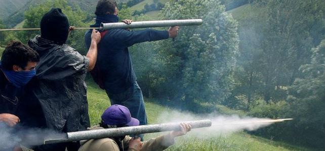 Enfrentamientos entre mineros y la Guardia Civil hoy en Campomanes (Asturias) - EFE