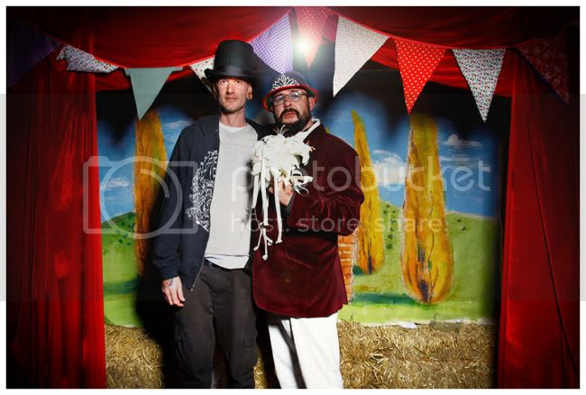 http://i892.photobucket.com/albums/ac125/lovemademedoit/NJ_BLOG022.jpg?t=1280687967