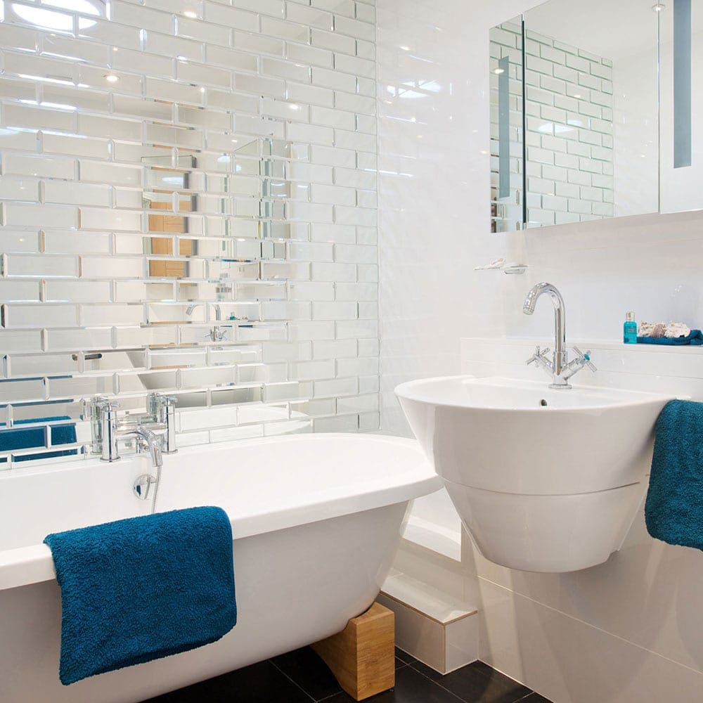Easy decorating tricks to make your tiny bathroom look ...