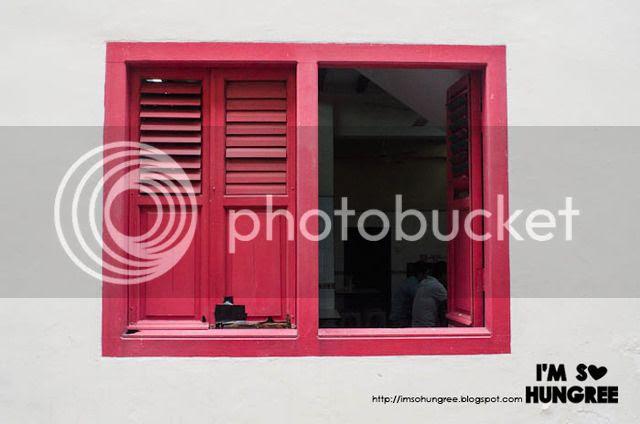 photo 0130-singapore-haji-lane-chinatown-maxwell-centre_zpsyfsx2imp.jpg