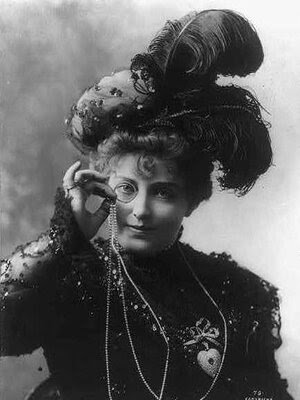 American actress Lillian Russell, in a feather hat, 1898.