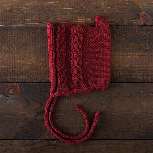 bonnet tricoté Posie Bonnet par Nett Hulse