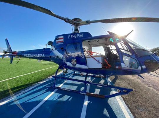 Helicóptero com primeiro lote da CoronaVac chegou em Serrinha no início da manhã desta terça-feira | Foto: Divulgação/Prefeitura de Serrinha