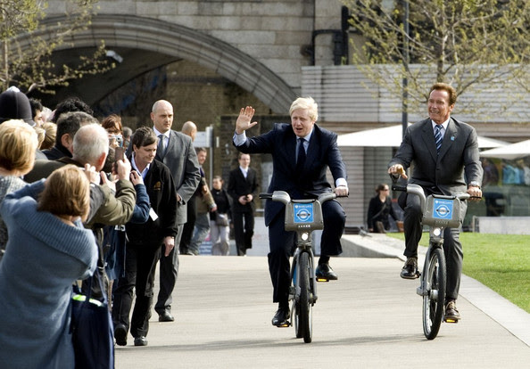 Arnold Schwarzenegger - Arnold Schwarzenegger and Boris Johnson Bicycle by City Hall