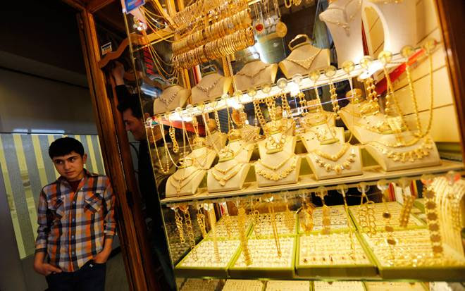 Gold, silver extend losses on weak global cues, low demand