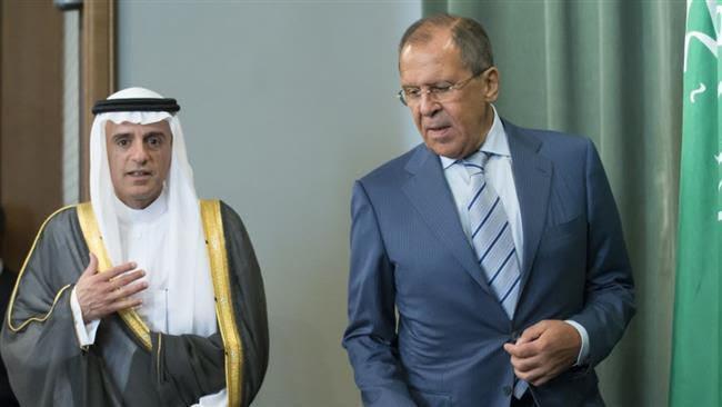 Le ministre russe des AE , Sergei Lavrov (R) et son homologue saoudien, Adel bin Ahmed Al-Jubeir, après une rencontre à Moscou au sujet de la Syrie. le 11 août 2015.//AFP