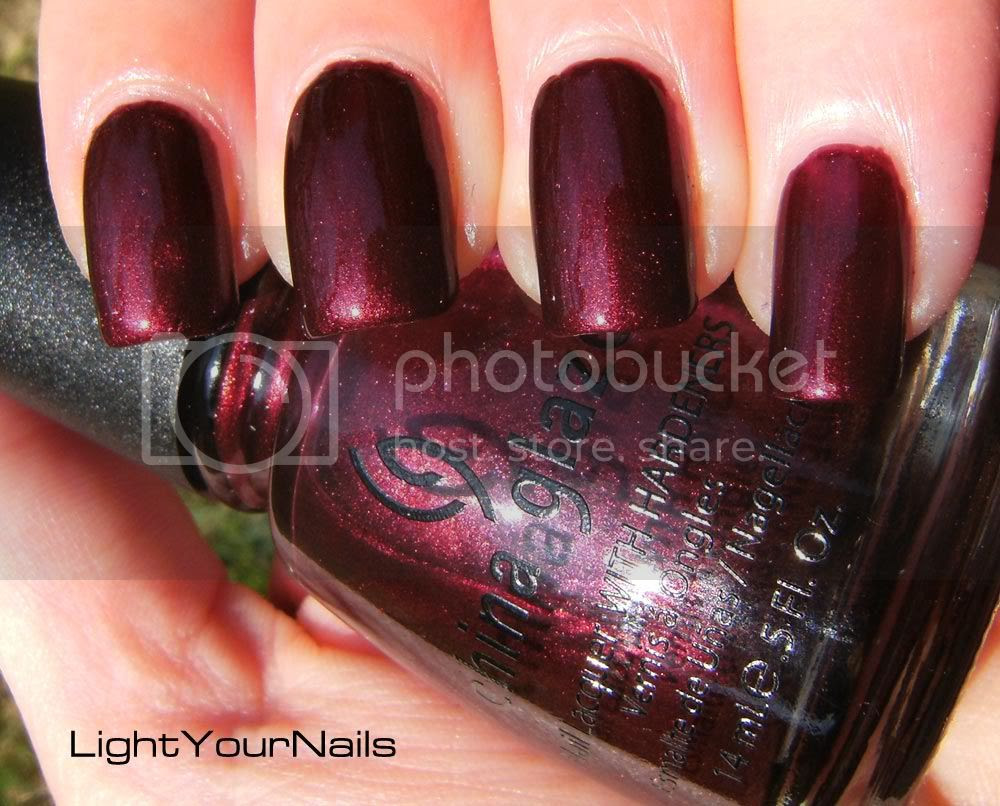 China Glaze Short & Sassy (Retro Diva)