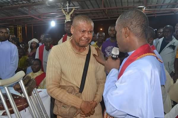 Father Mbaka Heals A Blind Man At Adoration Crusade (Photos)