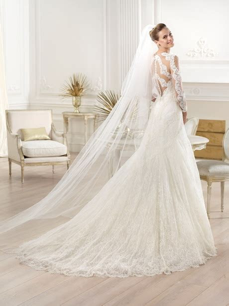 Best wedding dress designer