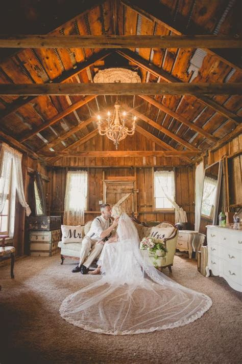 Barn Wedding Venues in Michigan   The Wedding Shoppe