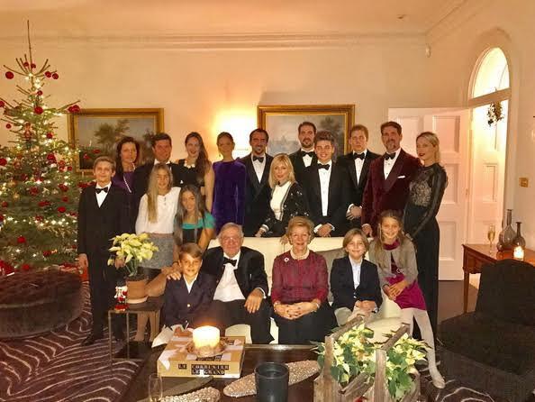 La famille royale grecque réunie en Angleterre