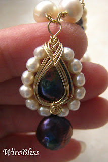 wire wrapped checkered pearl necklace and pipa pendant (reverse usage)