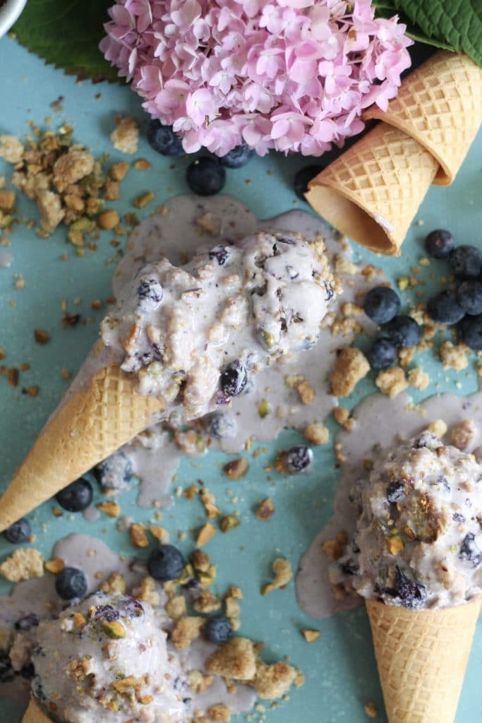 Blueberry Crumble Pistachio Ice Cream