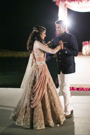 Glamorous Indian Waterfront Resort Wedding   Things to