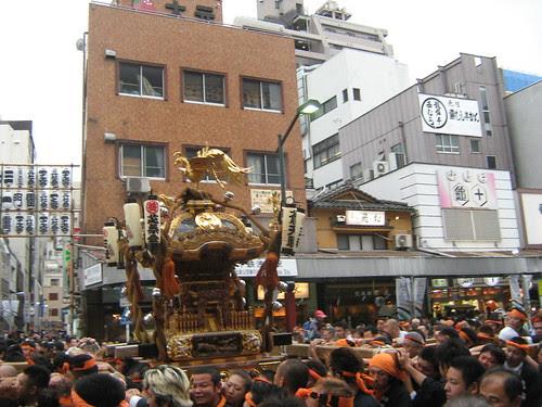 A mikoshi being carried at the Sanja Matsuri