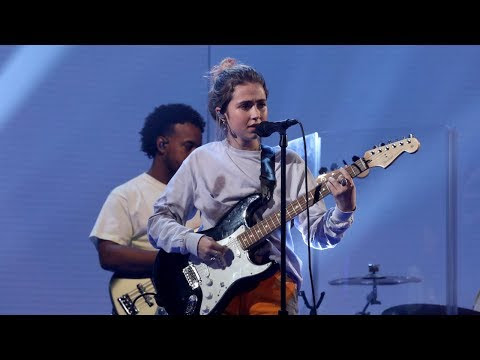 "Clairo - ""Bags"" Performance"