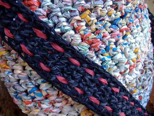 plarn bag (strap closeup)