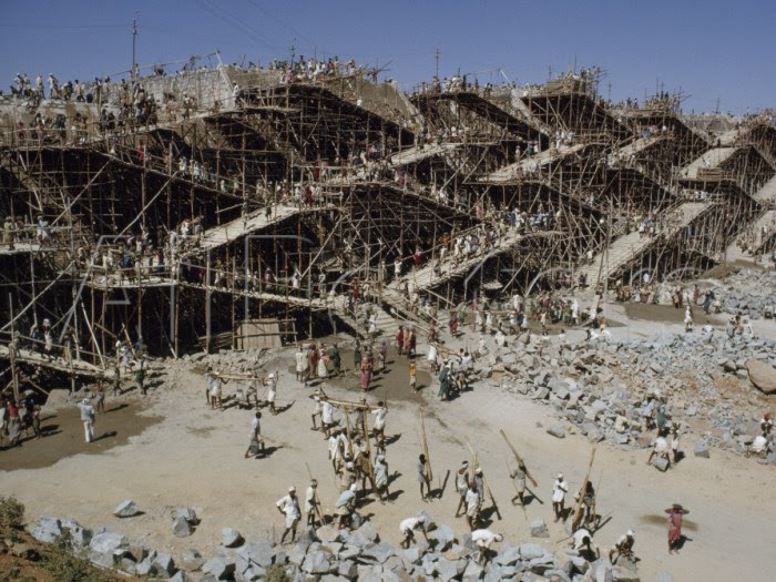 Строительство плотины Нагарджуна Сагар.
