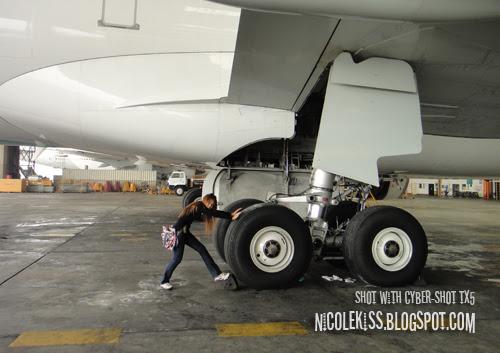 pushing plane wheels
