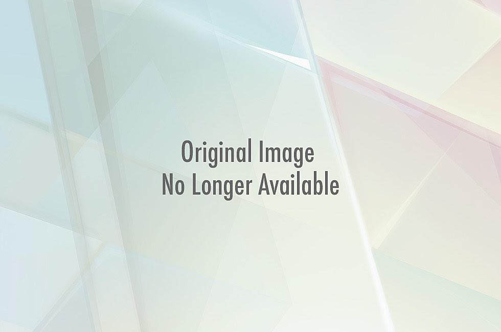 http://wac.450f.edgecastcdn.net/80450F/comicsalliance.com/files/2011/12/avengersxmas01.jpg