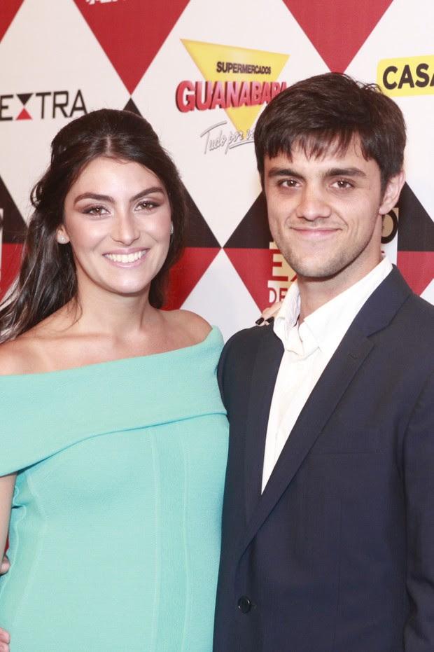 Felipe Simas e esposa grávida (Foto: Anderson Barros / Ego)