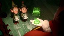 """Lanny e Wayne prendono ordini dai Mamma Natale (Betty White) in questo calza stuffer breve """"Operation:. Secret Santa"""""""