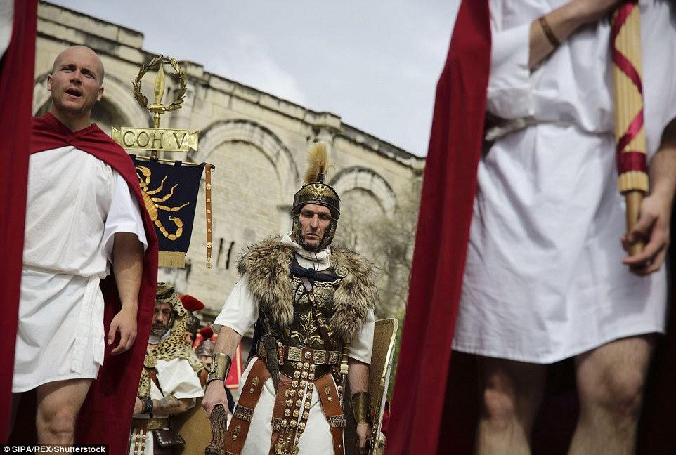 estandartes romanos foram ferozmente protegido por sua legião, como perder o padrão para o inimigo era visto como uma calamidade